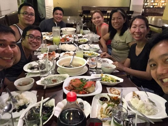 Ocho Seafood Grill : Our dining table