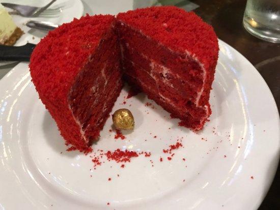 Ocho Seafood Grill : Red velvet mini cake for dessert