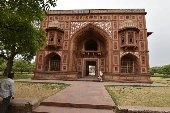 Sikandra, Indie: Kanch Mahal