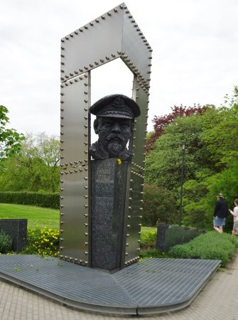 Johan Pitka Monument