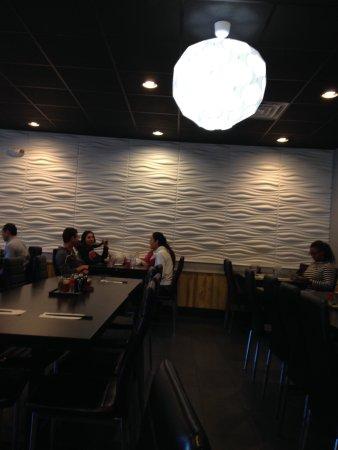 North Brunswick, نيو جيرسي: fried chicken appetiser plus seafood ramen