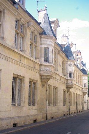 Remilly-sur-Tille, France: Imeunble
