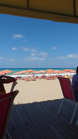Roulis Beach Bar: View from the bar.
