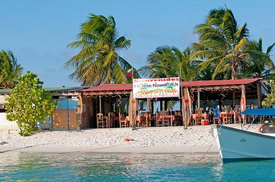 Praia Crasky : spiaggia di Crasqui con ristorantino...
