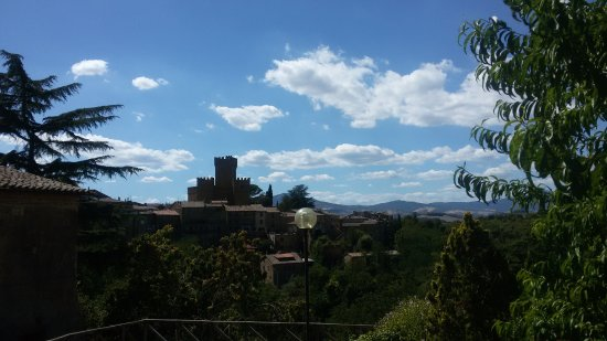 Proceno, إيطاليا: 20170813_145841_large.jpg