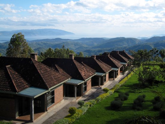 Gisakura, Rwanda: One row of the cabins