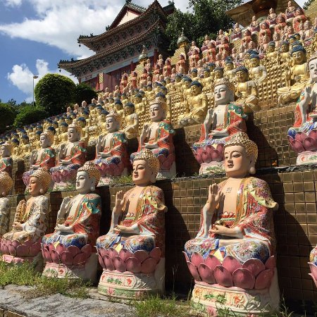 Yangshan County, China: Rows and Rows of Buddhas