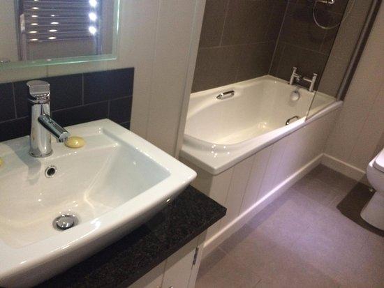 Gisburn, UK: Ensuite to second bedroom