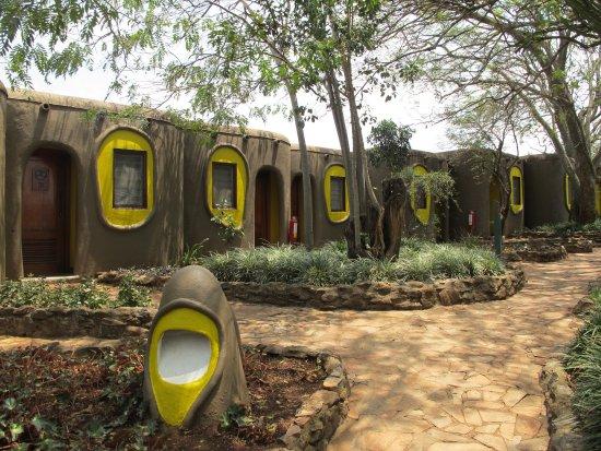 Mara Serena Safari Lodge: 馬賽村的概念小屋
