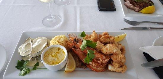Kitchen Windows Beach Restaurant: 20170902_173401_large.jpg
