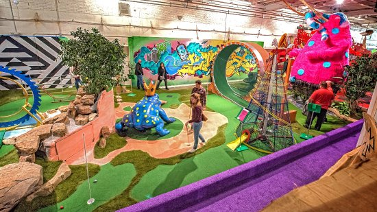 Saint Paul, MN: Artist designed mini golf