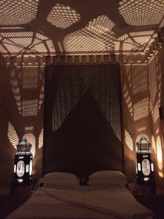 Amanjena: Chambre du bas dans une Maison le soir