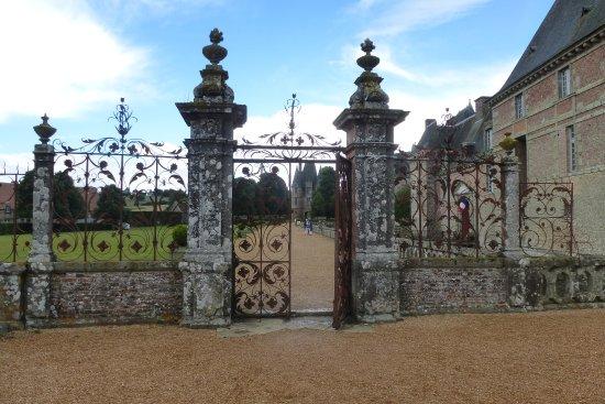 Carrouges, Frankrig: Grille en fer forgé dans le parc