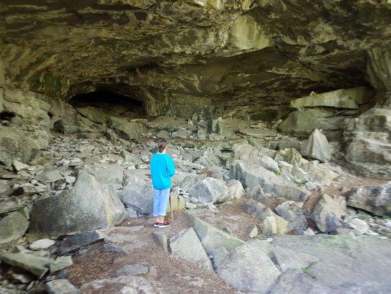 Bruce Peninsula, Canada: Great crawling cave