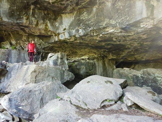 Bruce Peninsula, Canada: HUGE cave