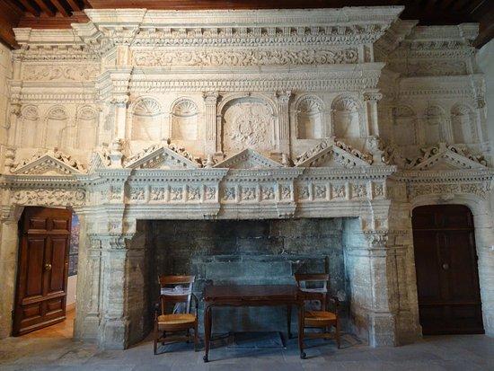 Grande Cheminee Dans Le Chateau Picture Of Gordes Castle Gordes