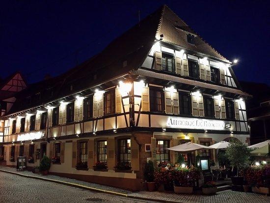 Restaurant Le Brochet: Magnifique maison alsacienne très ancienne à colombages