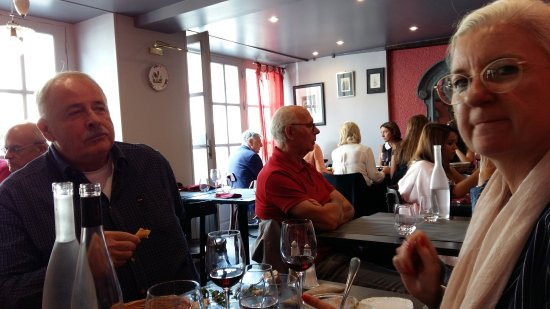 Le Scaramouche: Had lunch. Magret de canard was good except that it's very oily.