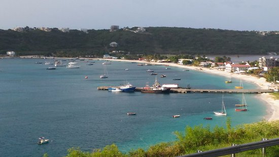 South Hill, Anguilla: Vue du RDC