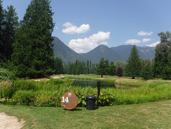 Crawford Bay, Canada: Great views on nearly every hole.