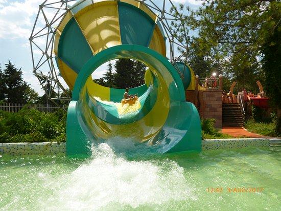 Aquapark Aquamania: children slide with ring