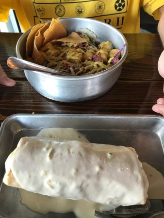 Port Saint Lucie, FL: Drunken burrito wet with steak and Irish burrito bowl...I loved my burrito!!!