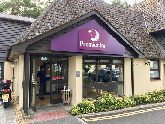 Premier Inn Bournemouth/Ferndown Hotel: Front Entry