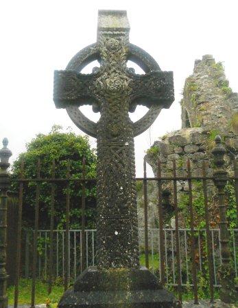 Athenry, Ιρλανδία: Otra bonita cruz celta.