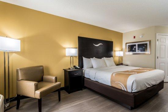 Auburn, AL: Non-Smoking King Bed Room
