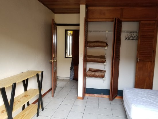 Taranova-Villas Palmas: 2nd bedroom had lots of storage; main bathroom was next to it.