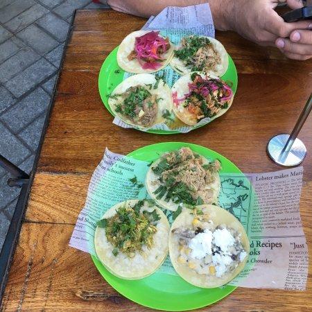 Tacos La Cantina: photo1.jpg
