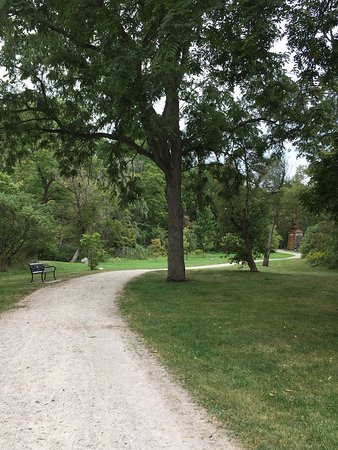 Tillsonburg, Canada: Great place for a walk.