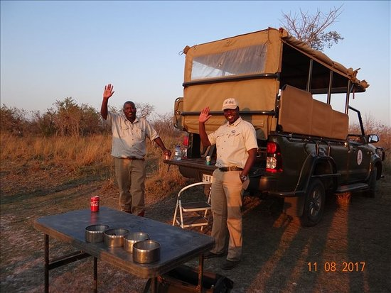 Mjejane River Lodge: Sunset drink in the Mjejane Reserve
