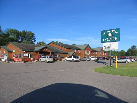 White Pine Lodge - UPDATED 2017 Prices & Hotel Reviews (Christmas ...