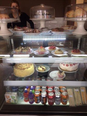 Angus, UK: Cake cabinet