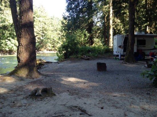 Harrison Mills, Canada: Chehalis River Campsite #44