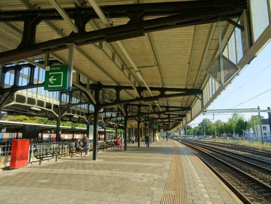 นาร์เดน, เนเธอร์แลนด์: -Provinciaal Monument Station Naarden-Bussum uit 1926-