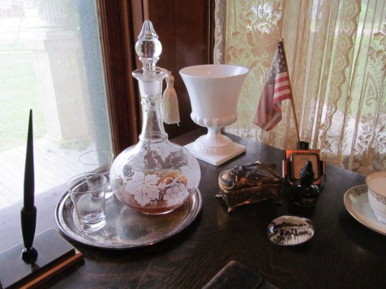 Hillsboro, KS: Desk set in William Schaeffler's home office.