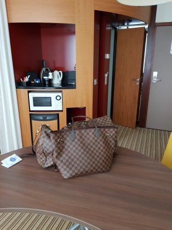 Novotel Suites Lille Europe hotel: 20170729_143358_large.jpg