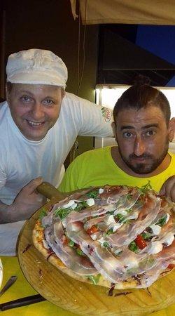 Province of Forli-Cesena, Italie : LA PIZZA PREFERITA DEL MIO AMICONE RIK FRESCHEZZA