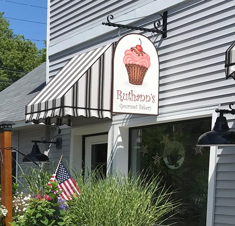 Bellaire, MI: Welcome to Ruthann's Gourmet Bakery