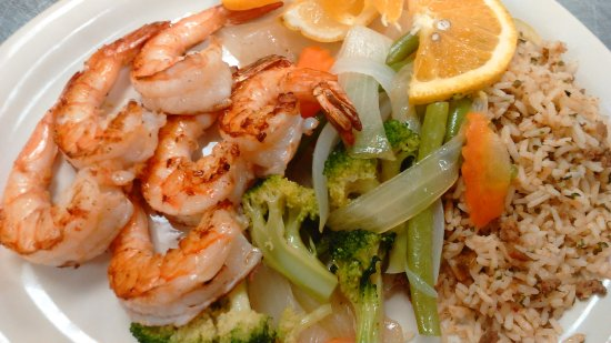 Caldwell, TX: 6 PcGrilled Jumbo Shrimp w/Grilled Veggies, Cajun Rice & Salad