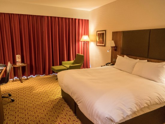 Room Look With Curtains Closed Picture Of Lingfield Park Marriott Hotel Country Club Tripadvisor
