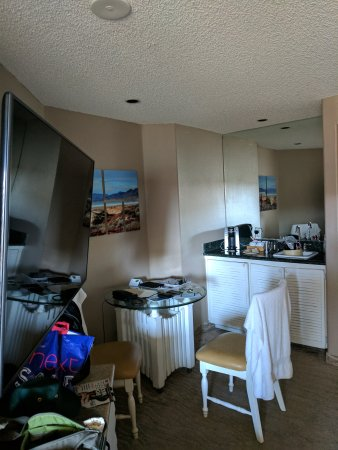 SeaVenture Beach Hotel: IMG_20170829_161519_large.jpg