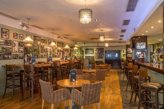 Maldron Hotel Derry: Lyric Bar