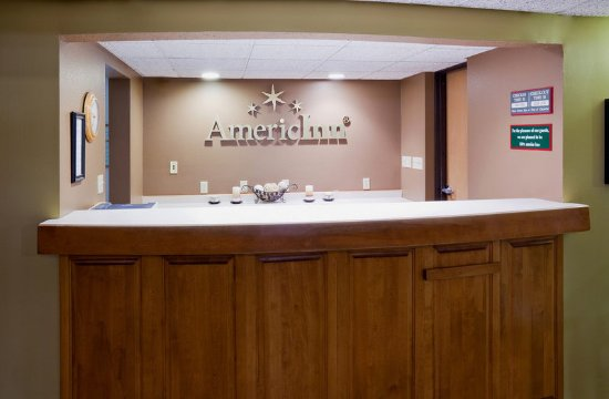 Americ Inn Crookston Front Desk