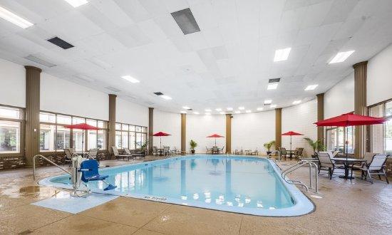 Red Roof PLUS+ Boston - Woburn: Pool