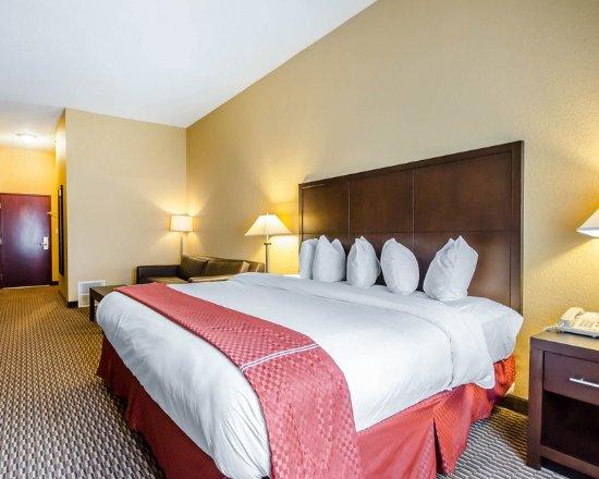 La Grange, KY: Guest room
