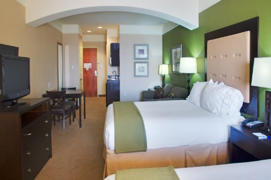Holiday Inn Express Hotel & Suites Galveston West - Seawall: Double Bed Suite Room w/ Full View