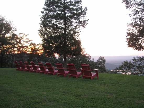 The Lodge at Gorham's Bluff: Overlooking the bluff near sunset.